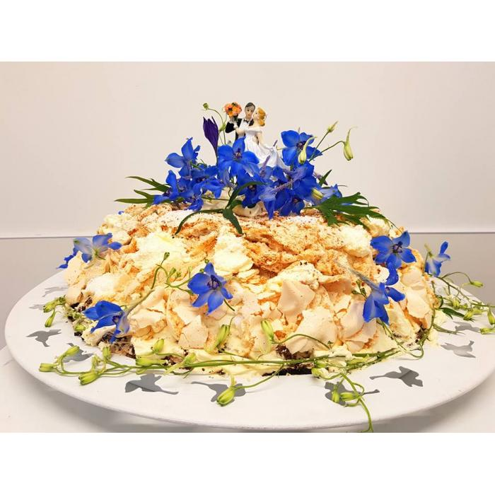 tracys wedding cake